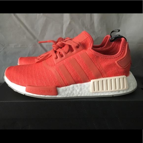 Adidas zapatos  mujer NMD poshmark R1 NWT